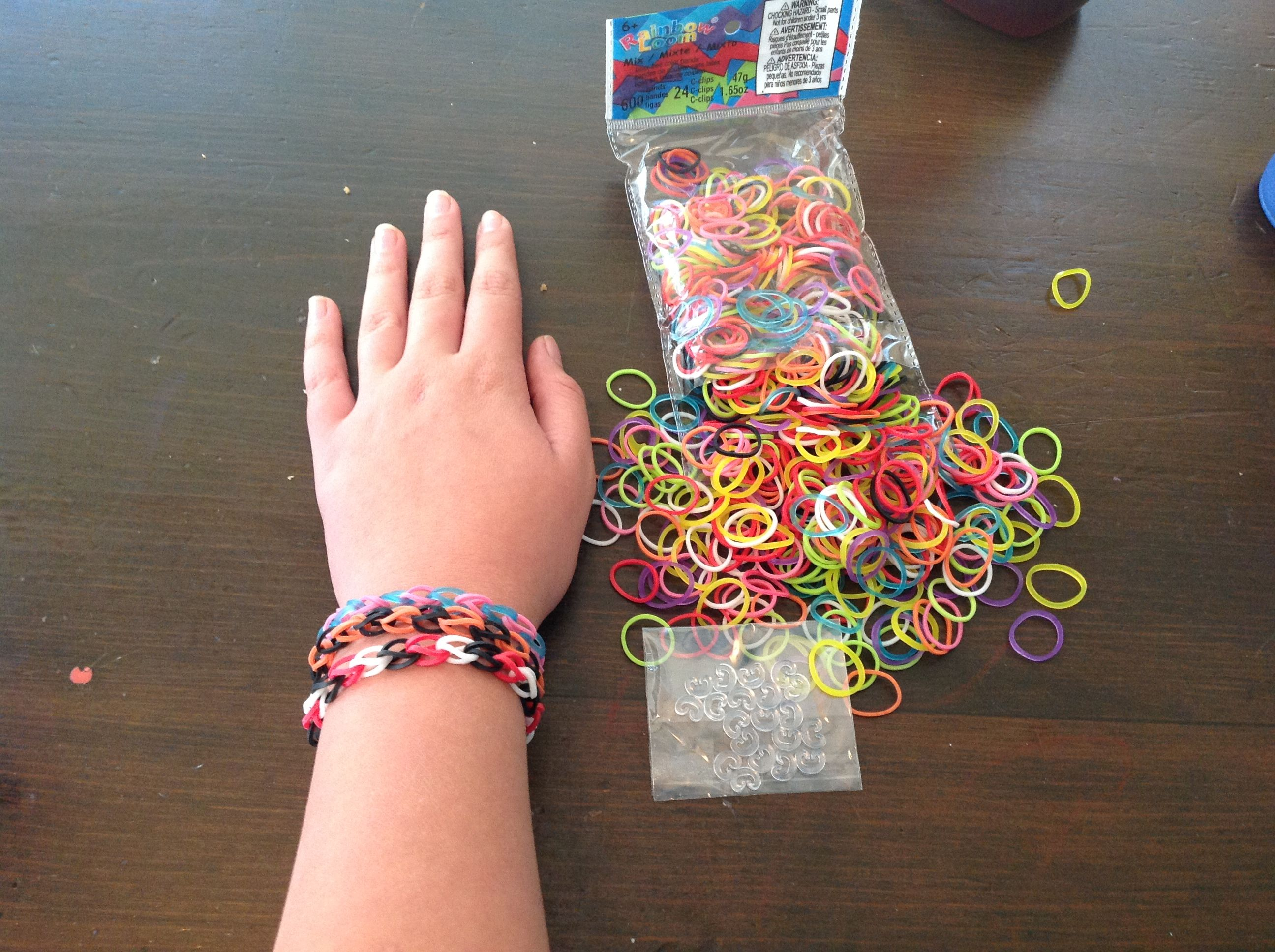 Michael S Rainbow Loom Color Bands 4 For A Pack Of 600 And Super Fun Easy To Make Into Bracelets Also Come With Hooks Keep Them Together
