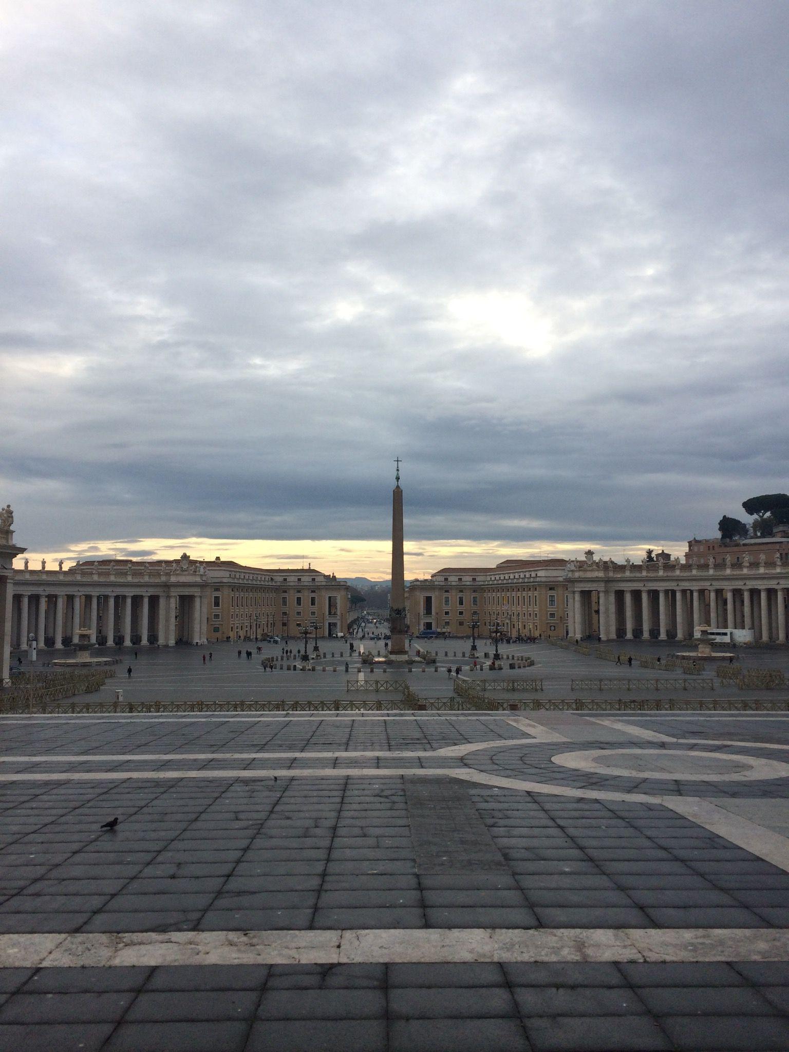Plaça de Sant Pere. Vatica