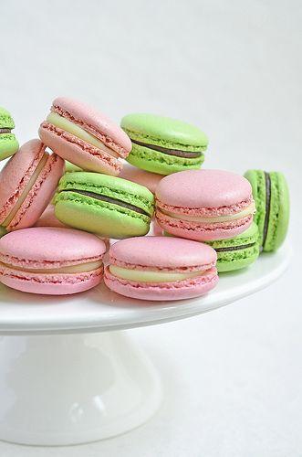 Macarons pink-green