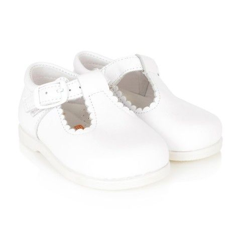 cd27d986ecc4 Andanines Girls White Scalloped Edge Mary Jane Shoes