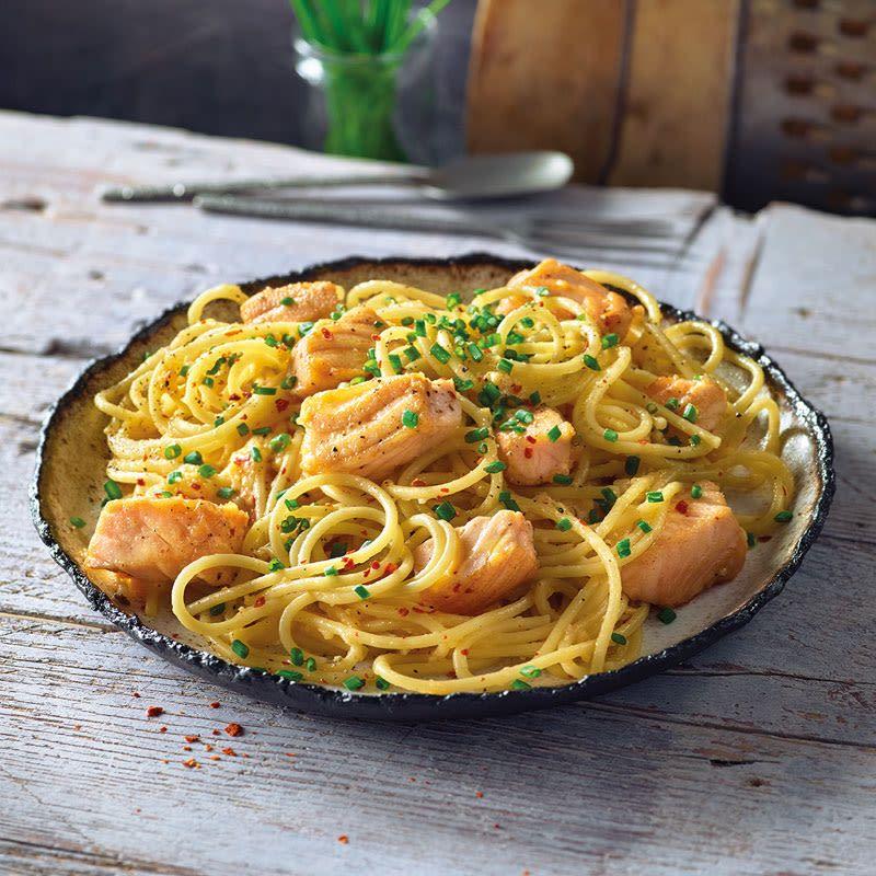 Spaghetti mit Lachs-Carbonara Rezept | WW Deutschland