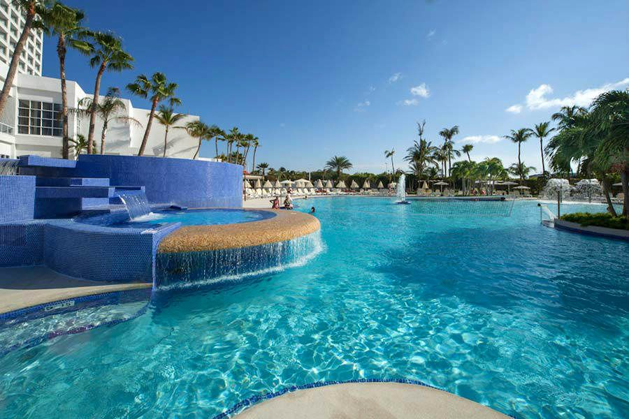 Hotel Riu Palace Antillas In Palm Beach Aruba Vacations Hotels Resorts