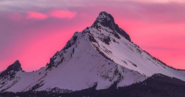Sunset Behind Mt Washington On The Cascade Mountain Range Of