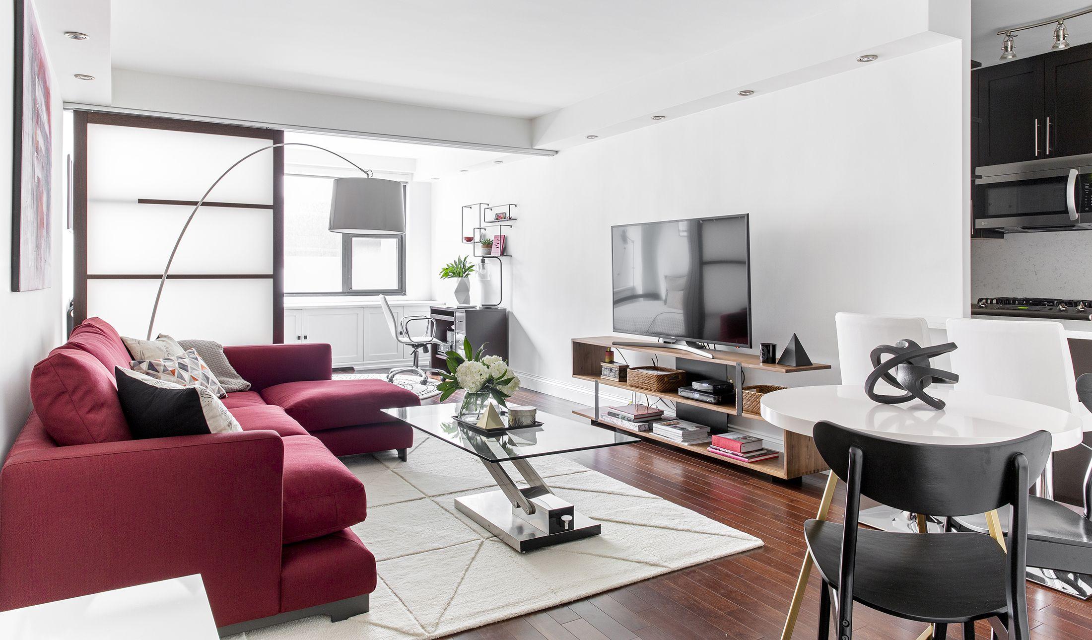 Minimal Apartment Interior Design Statement Piece Red Couch Decor Aid Apartment Interior Design Apartment Interior Luxury Apartment Interior Design