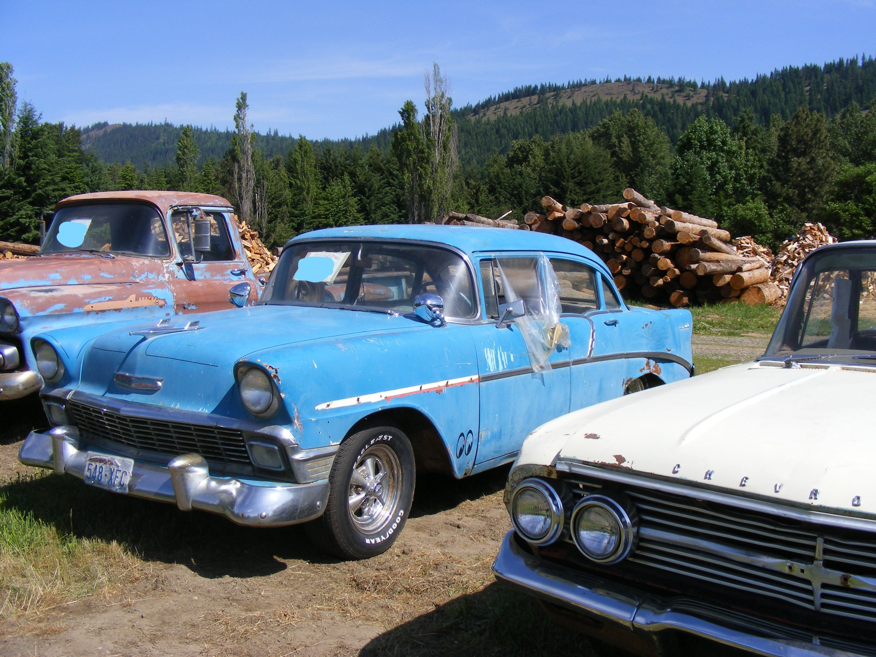 Classic old cars and truck @ I90 in Easton/Cle Elum WA 47°12.2378\'N ...