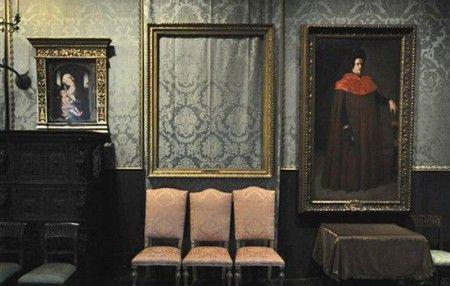 7 Books on Art Crimes