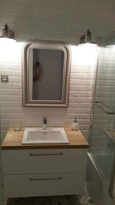 Salle de bain vintage / carreaux de métro / carrelage carreaux de