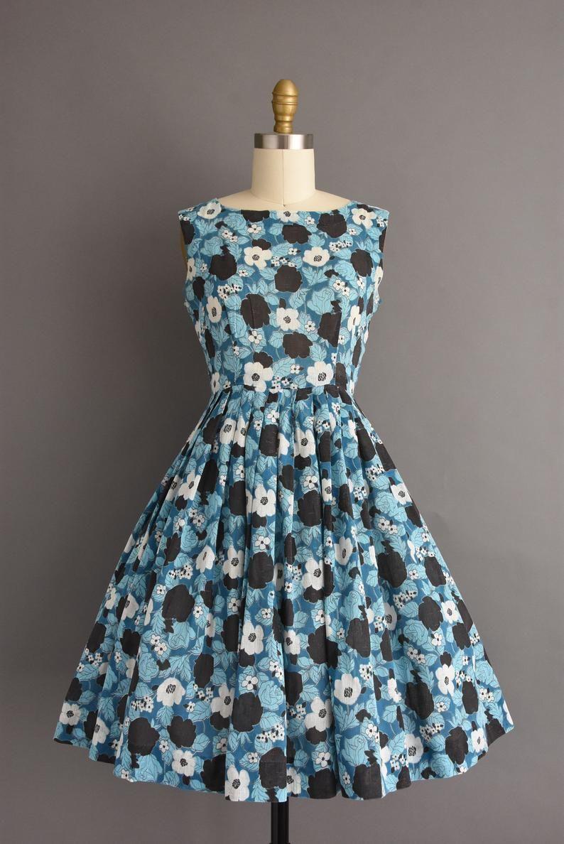 Vintage 1950s Adorable Blue Black Floral Print Full Skirt Etsy Vintage Fashion Models Vintage Dresses 1950s Dresses [ 1188 x 794 Pixel ]
