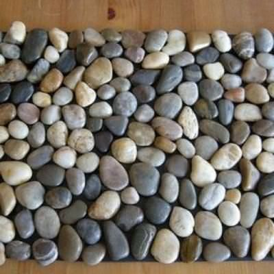 Diy Pebble Bath Mat You Need Rubber Welcome Bags Of River Rocks Some Contact Adhesive All From The Dollar For New Bathroom