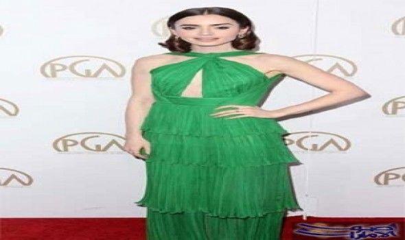 ليلى كولينز تبدو مثيرة في فستان أخضر تألقت ليلى كولينز في اللون الأخضر الزمردي خلال مشاركتها في حفلة توزيع جوائز رابطة المنتجين Green Dress Dresses Fashion