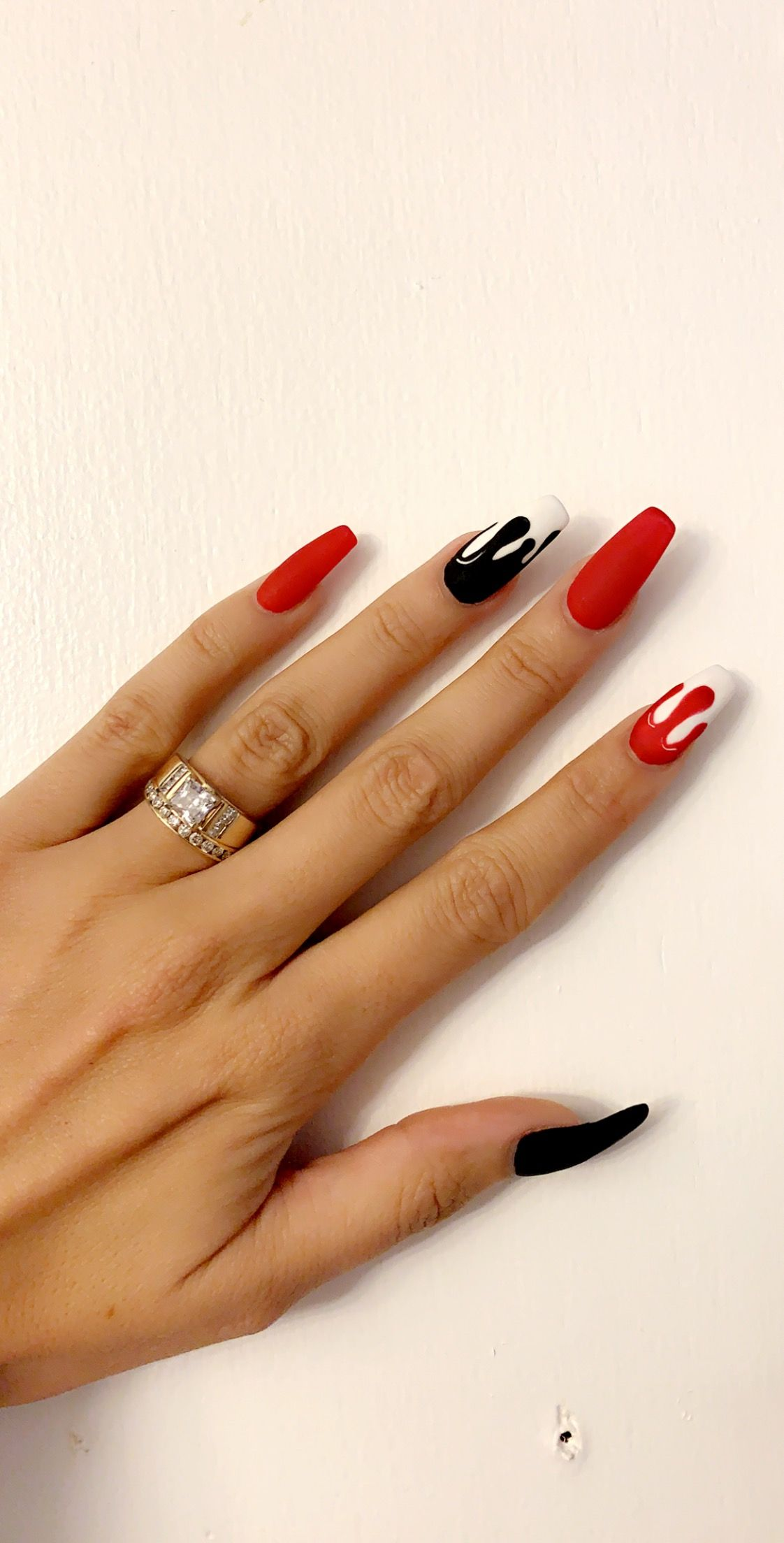 22 Wildly Popular Halloween Nail Art Designs I Am Bored Cute Nails Fashion Nails Gothic Nails