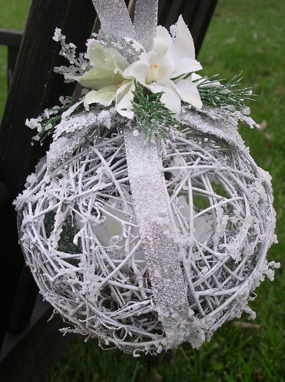 can be used as pew or chair decoration,,,, you could make these beachy buy glueing a shell or starfish... and you can make these with string, a ballon ,and glue...