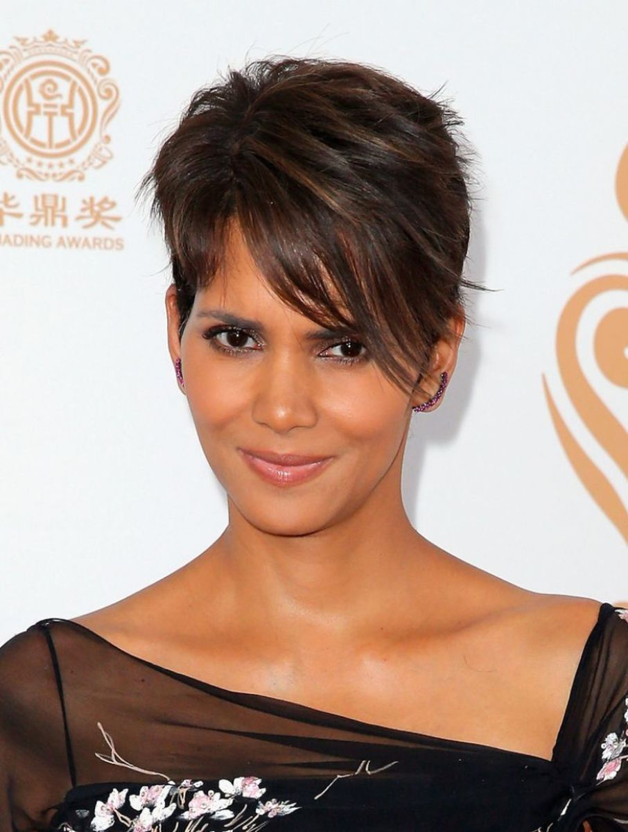 The best short haircuts for black hair halle halle berry