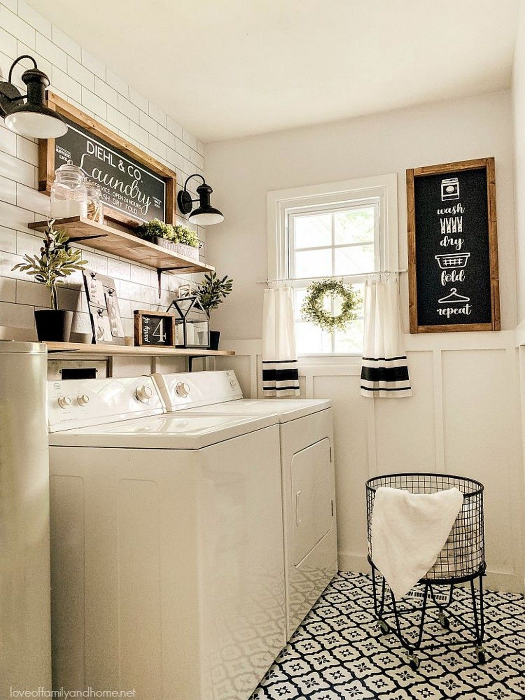 22 Farmhouse Laundry Room Design
