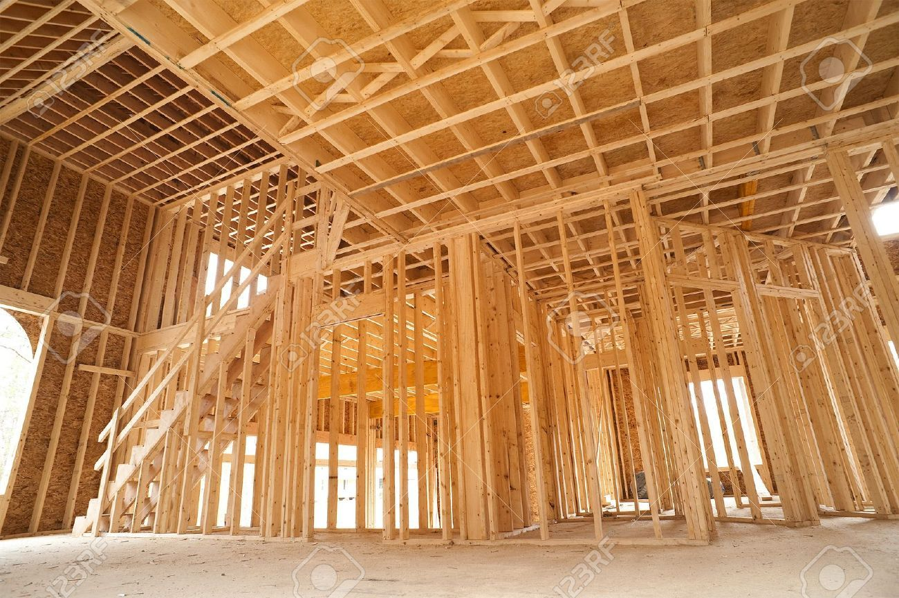 11887863-interior-framing-of-a-new-house-under-construction.jpg (1300×865)