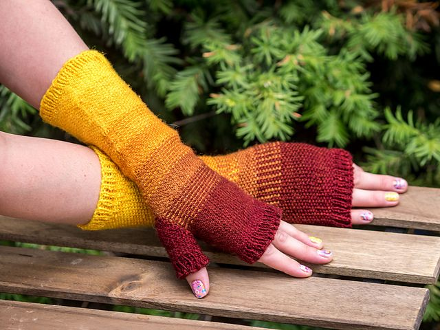 Gradient Linen Mitts by Acacia Sears - Free until Friday, 11/6 at 11: 59 pm no code. just buy and the price becomes free
