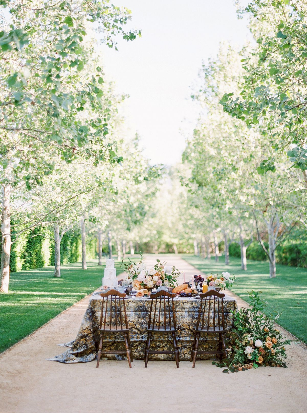 Tavola Park La Tavola Fine Linen Rental Enchantress Silver Cloud With Tuscany
