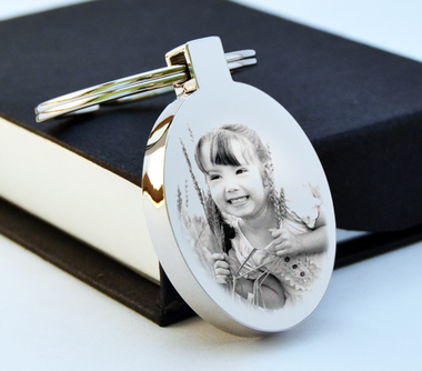 Beautiful engraved portrait Keyrings/Keychains A lovely thoughtful gift or a great keepsake