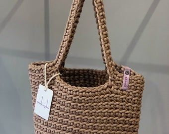 100% handmade & fully recyclable crochet tote bags autor anoukseydou