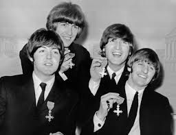 "Beatles, nombrados ""Sir"""