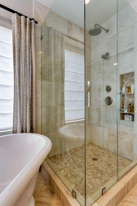traditional bathroom vein cut travertine floors free standing tub rh pinterest ca
