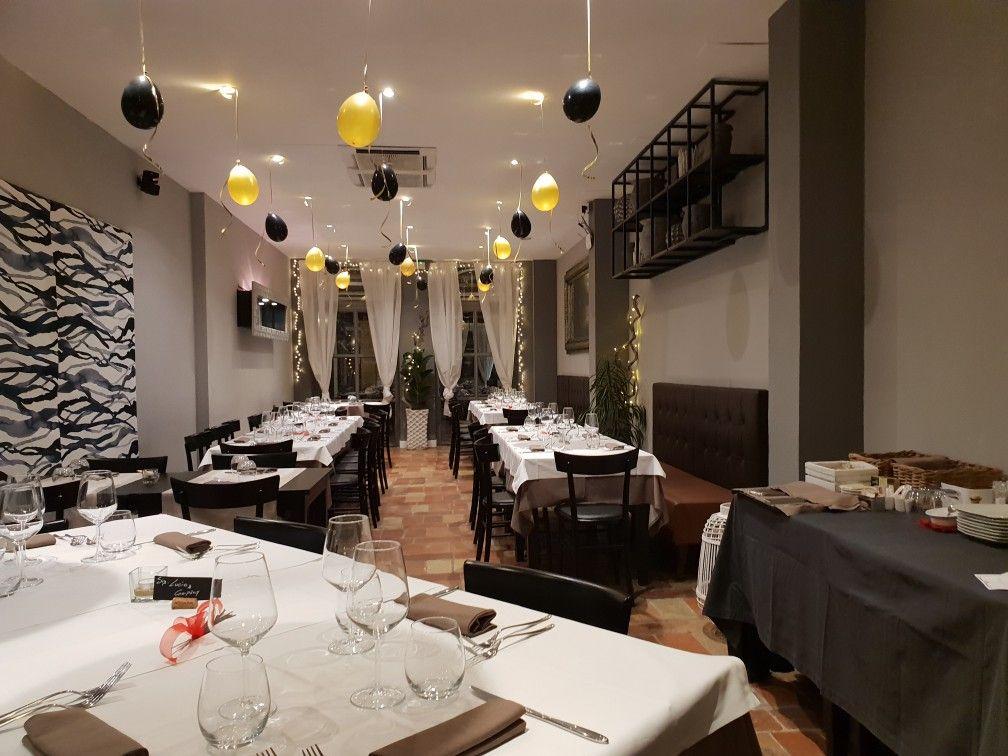 Decorazioni Sala Capodanno : Addobbi nero e oro sala ristorante in occasione del capodanno l