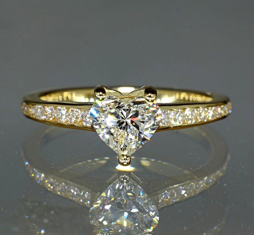 aur de inel de aur)