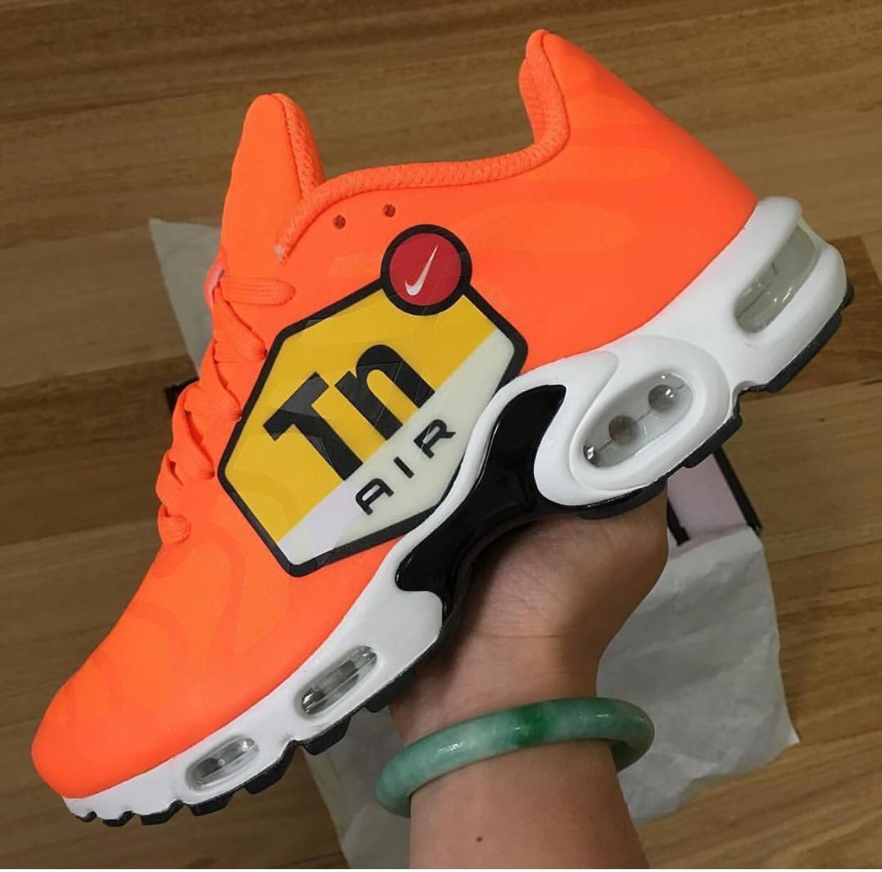 factory authentic 7e930 3555e big logo air max plus tn | Kicks | Sneakers nike, Air max plus, Nike ...