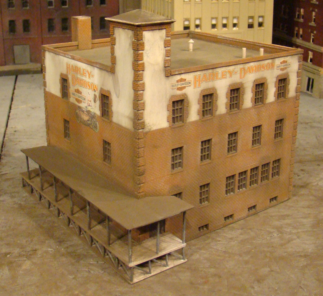 HO Scale Building Walthers Harley Davidson Warehouse Built