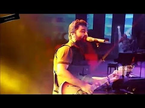 Arijit singh live Love Song For Fan HD ¦ Pehla nasha live ¦ Guitar ...