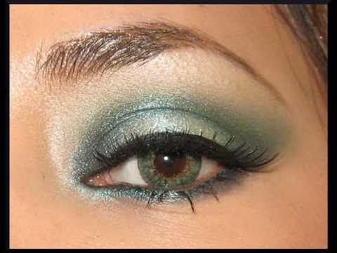 Maquillaje con vestido verde jade