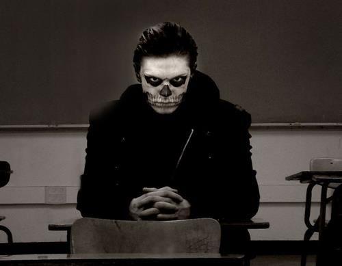 Evan Peters With Skull Face Paint Ugh Evan Peters American