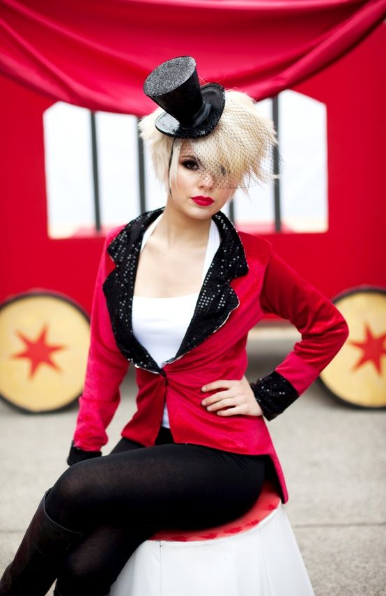 Pin von ClaudiaW auf Circus   Zirkus kostüm, Zirkusdirektor