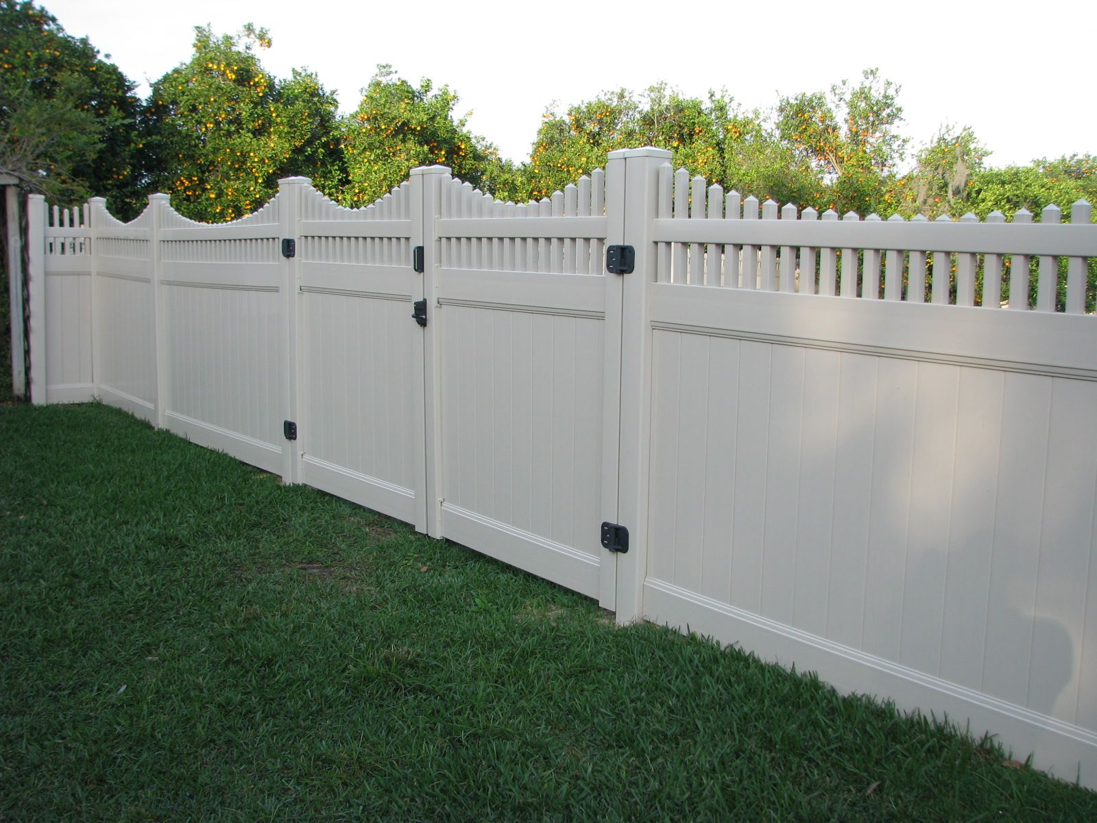 custom lattice top pvc privacy fence design