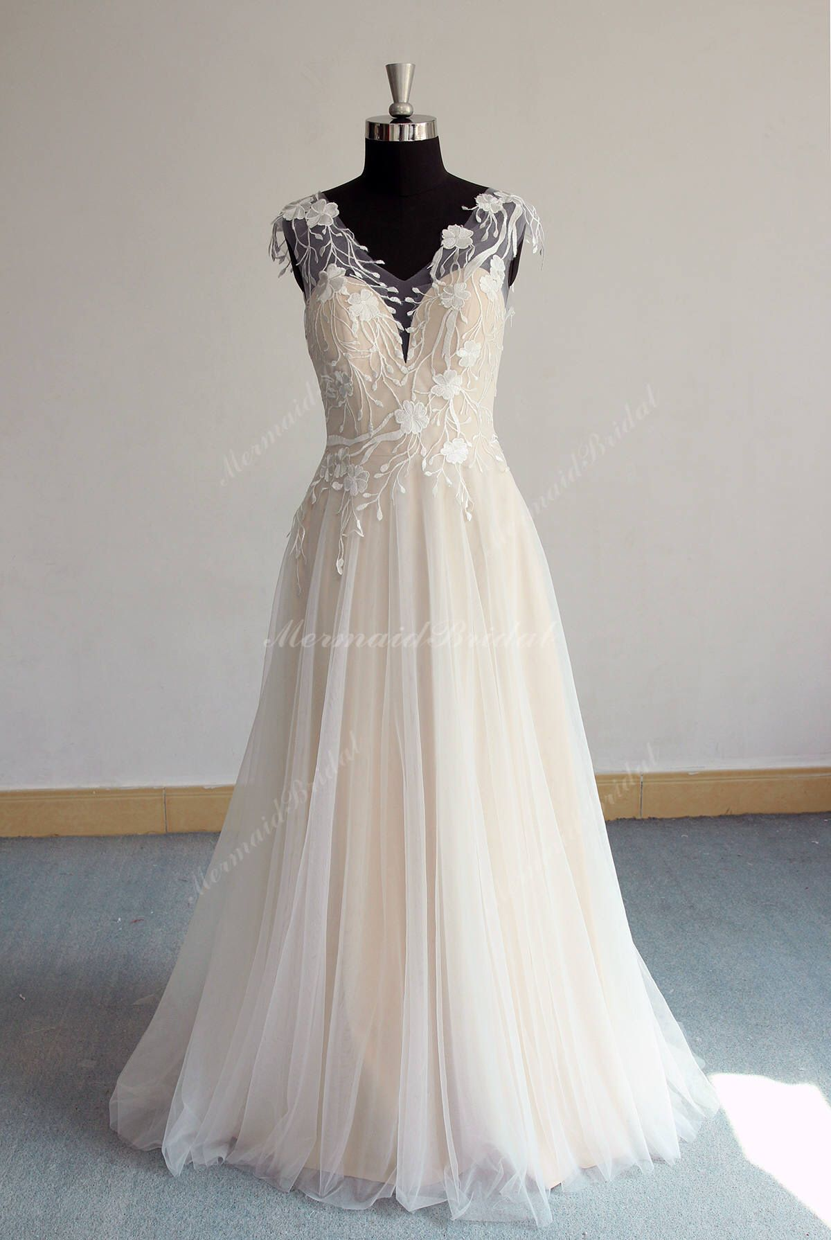 e18675d7dbb5 Unique Open Back Aline Tulle Lace Wedding Dress, Elegant Vintage Boho  Wedding Dress, Blush