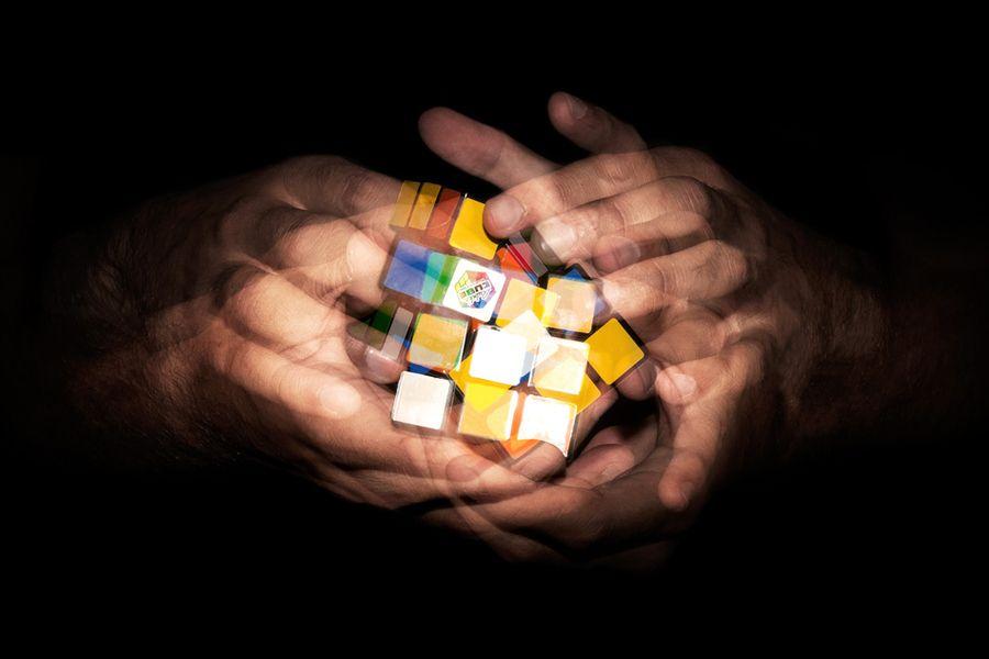 Rubik's light speed | Rubik Time | Cube puzzle, Cube und ...