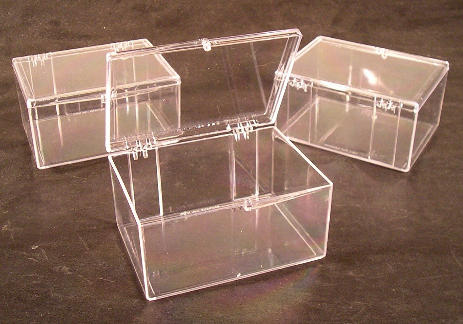 Amazon Com Lot Of 3 Crystal Clear Hinged Plastic Trading Card Storage Boxes 100 Ct Made In Th Trading Card Storage Trading Card Storage Boxes Card Storage