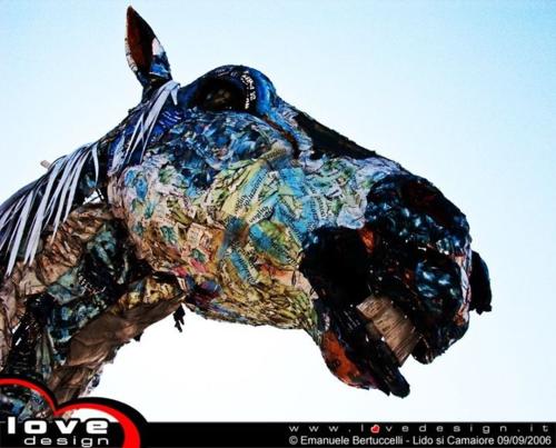"""Papier-mâché (chewed paper) Horse head - testa di cavallo in cartapesta    by """"La società dell'arte - creazioni Lebigre & Roger""""  http://www.lasocietadellarte.com"""