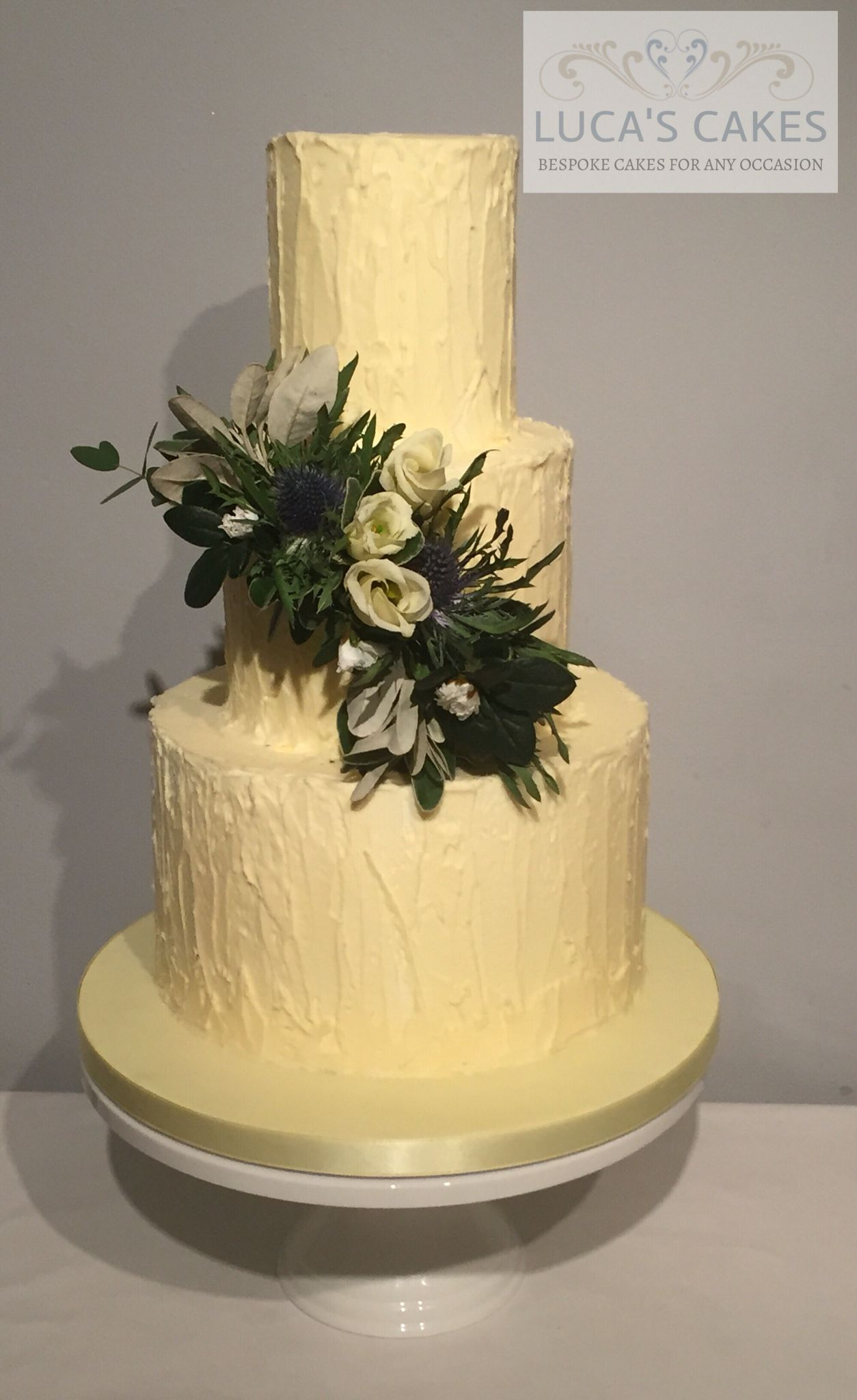 Buttercream and fresh flowers | CAKES~*and Toppers~* | Pinterest ...