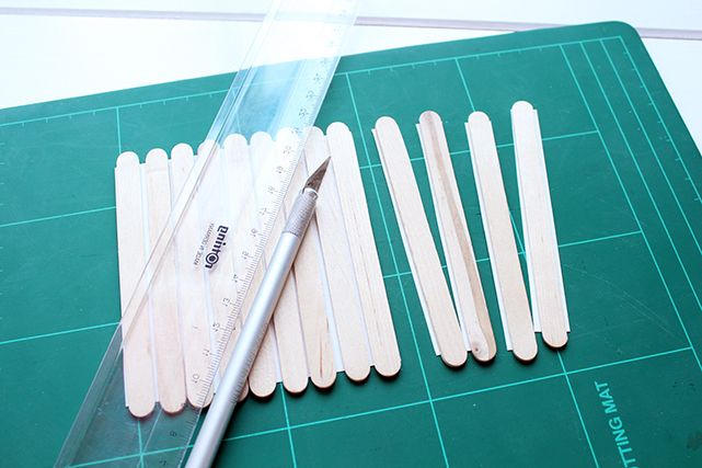 Make a fun puzzle using popsicle sticks   upcycling and DIY   UPCYCLE ME