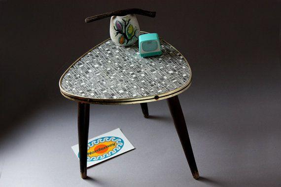 Blumenhocker / kleiner Kaffeetisch / von wohnraumformer  vintage plant stand / small coffee table / german furniture / mid century / tripod / 50s 60s / side table