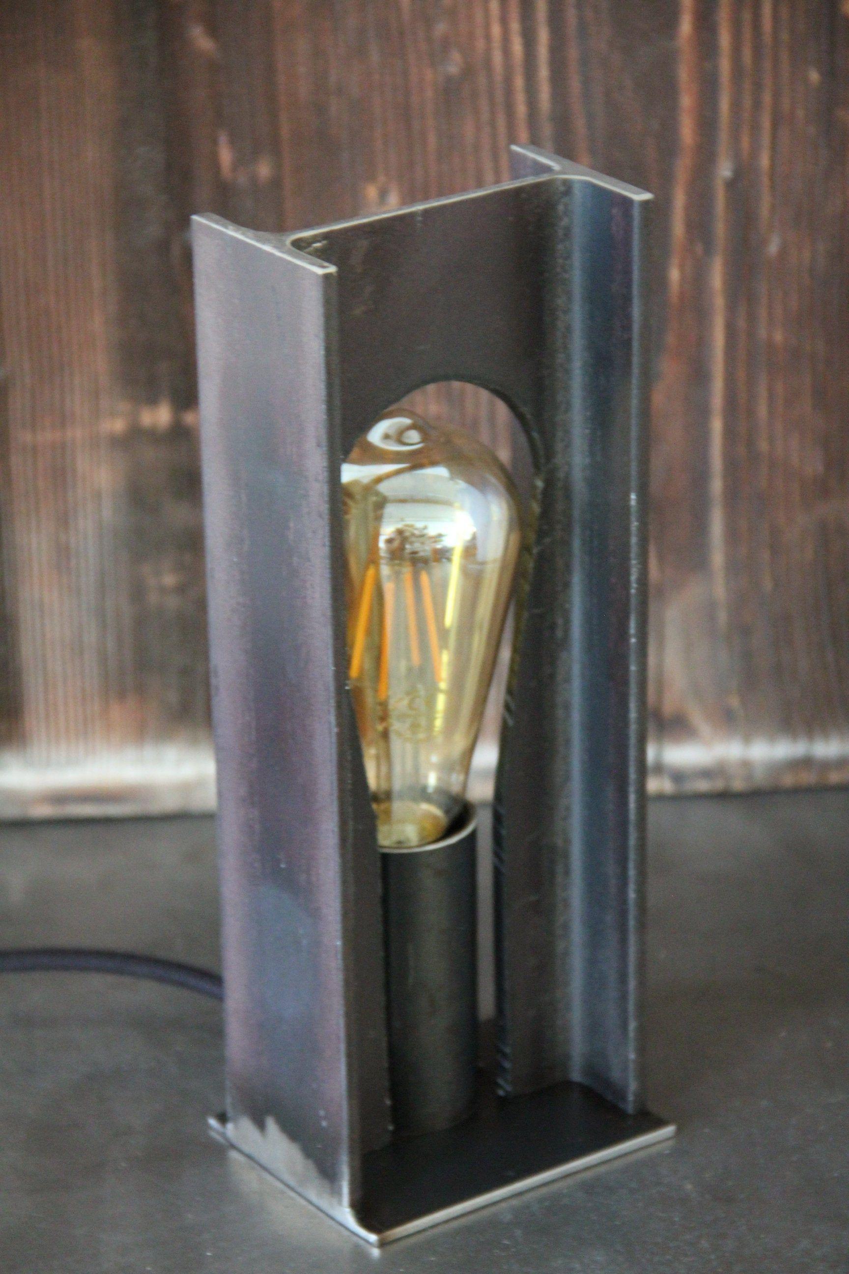 Lampe Stehlampe Stahl Stahltrager Nachttischleuchte In 2020 Diy Lamp Garage Furniture Lamp