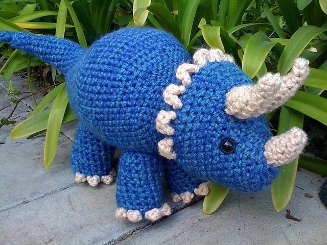 Triceratops Dinosaur pattern by Joanne Succari | Häkeln, Amigurumi ...