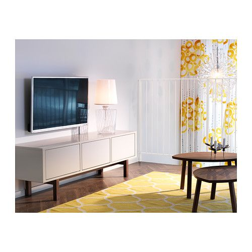 Stockholm mueble tv ikea es f cil ocultar los cables si for Mueble ocultar tv
