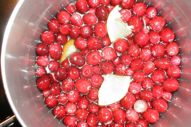 8 Drinks That Will Give You A Healthy Heart Slideshow Health Fresh Cranberries Cranberry Juice Juice