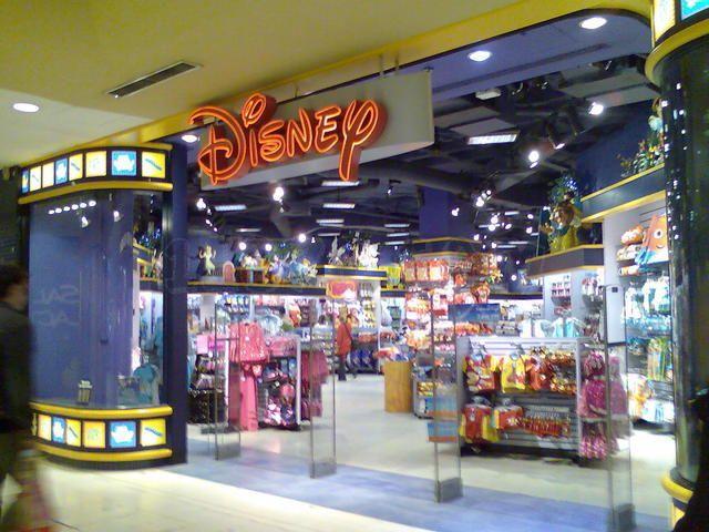 Una Tienda De Disney En Madrid Spain Madrid Spain Madrid Spain