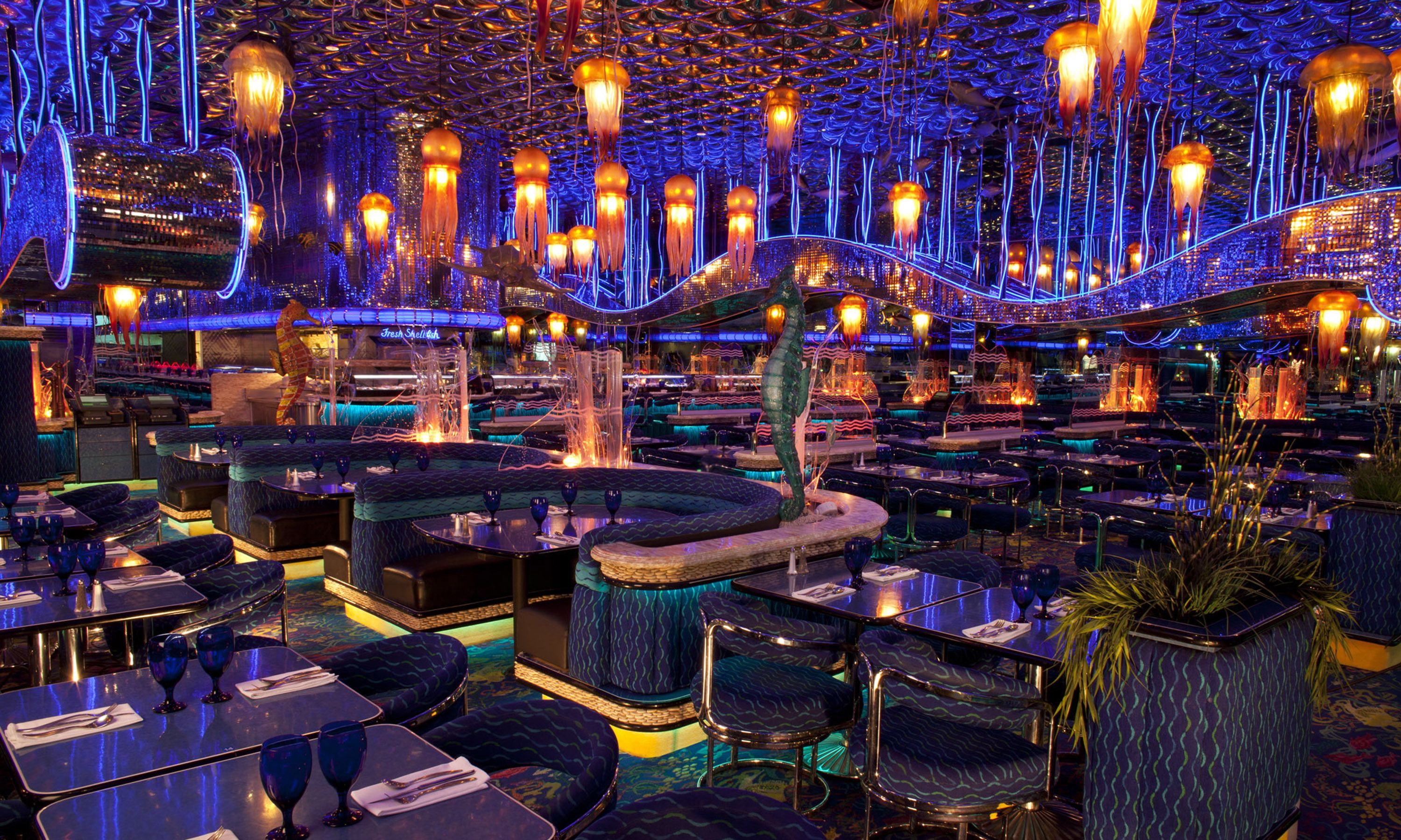 The Peppermill Restaurant On Strip Las Vegas