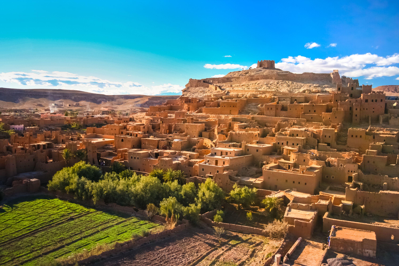 Der Tag ist zum Sehen und die Nacht zum Hören da. -Marokkanisches Sprichwort