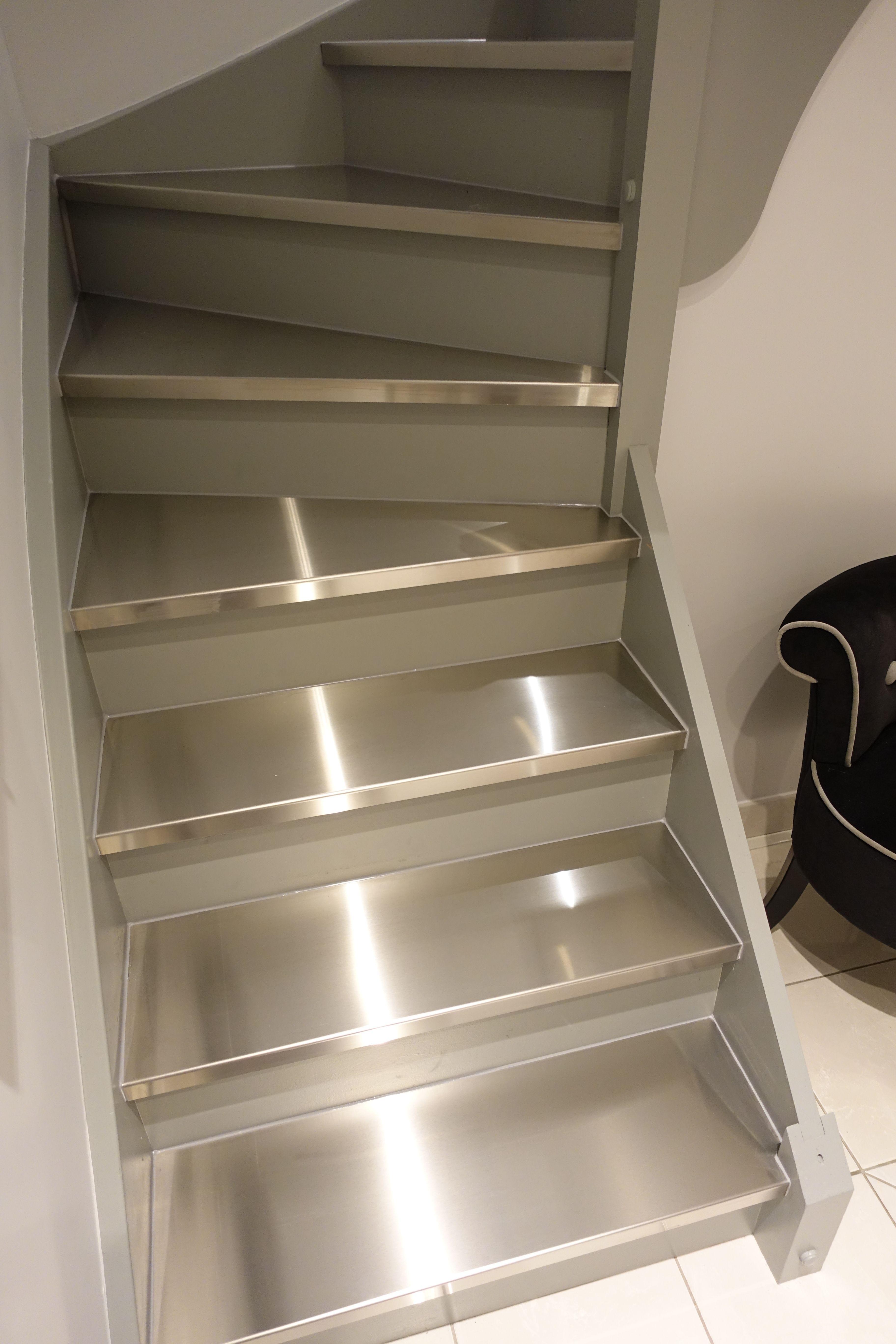 Renovation Escalier Nord Pas De Calais restauration d'escaliers par un habillage inox.