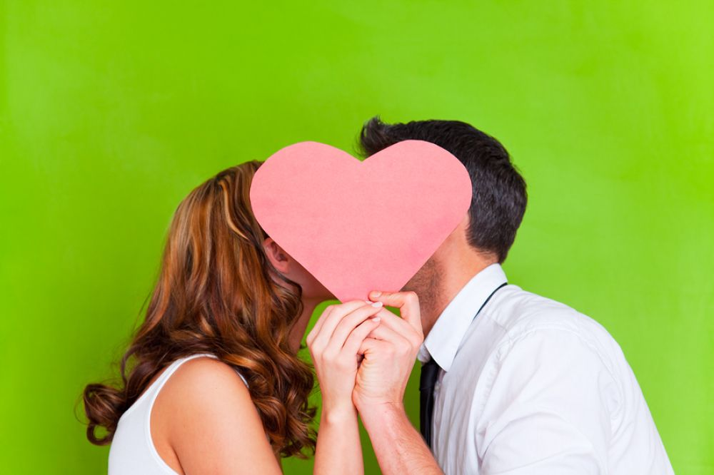valentines day gifts for every stage of your relationship valentinesday dating vday cheap valentines day giftsideas - Cheap Valentines Day Date Ideas